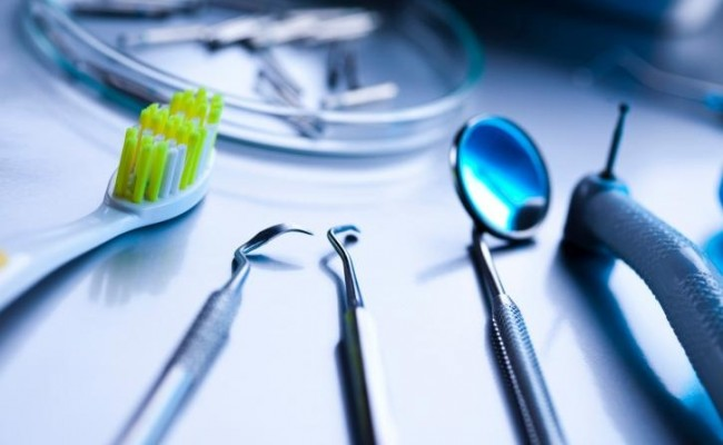dentista-bellinzona-igiene-orale-650x400